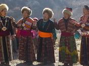 阿坝藏族同胞在歌唱